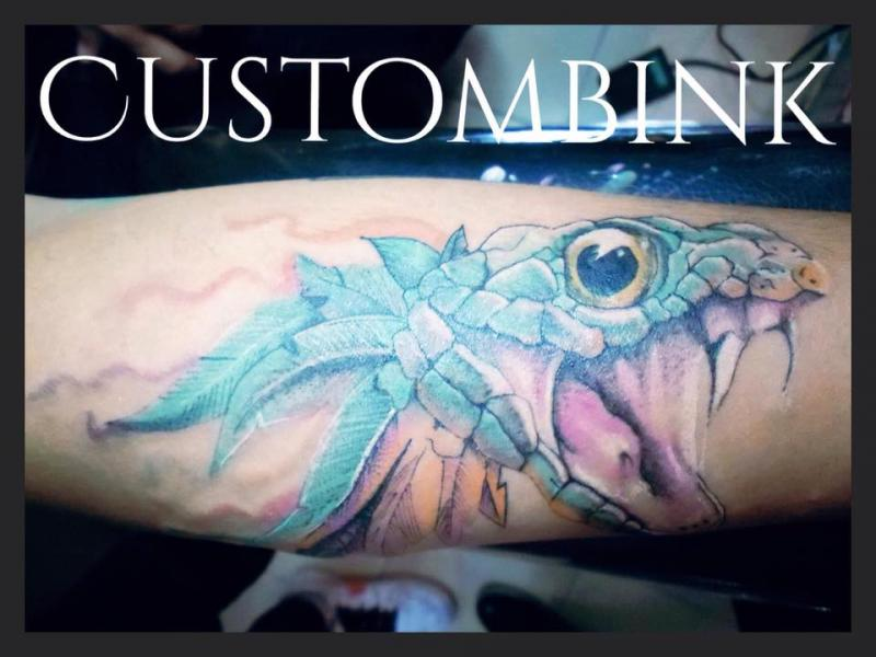 Quetzalcóatl tatuaje realizado por B-Ink Tattoo