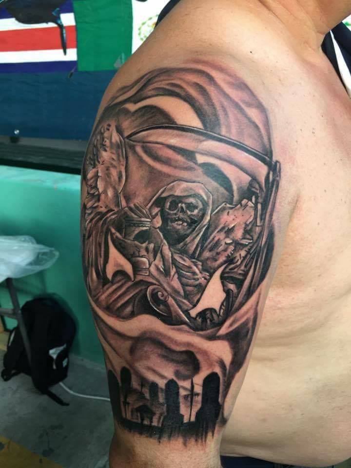 Panteon tatuaje realizado por Rak Martinez