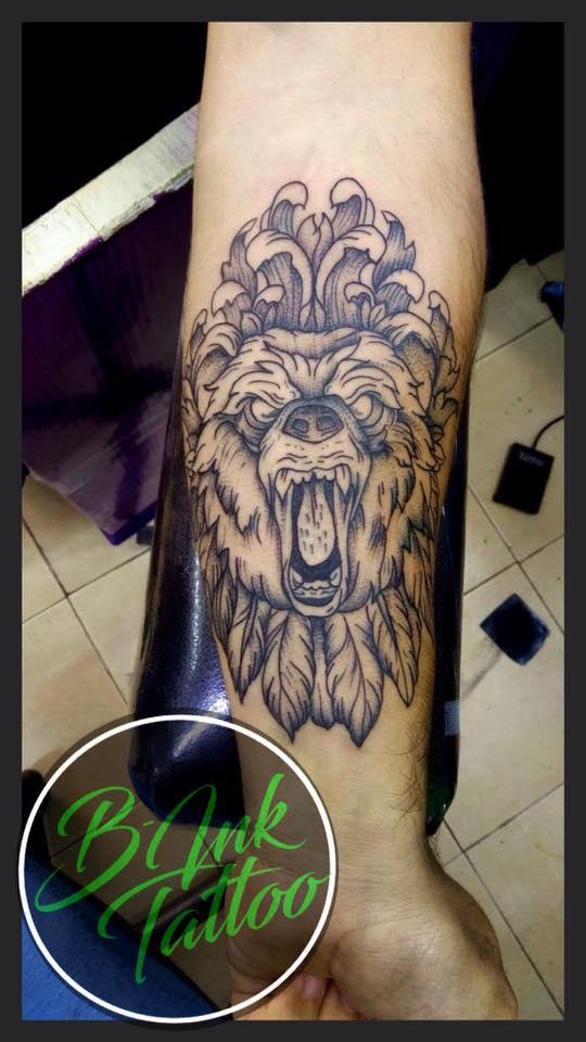 Oso  tatuaje realizado por B-Ink Tattoo