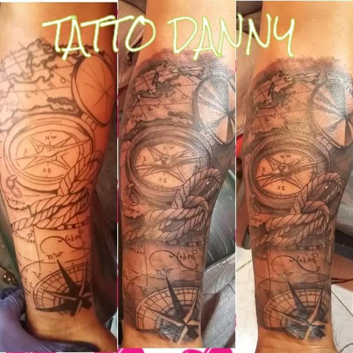 Mapa  tatuaje realizado por TattoDanny