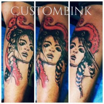 Mujer Pulpo tatuaje realizado por B-Ink Tattoo