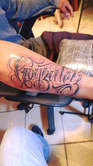 Gonzalez tatuaje realizado por Omar Mendoza