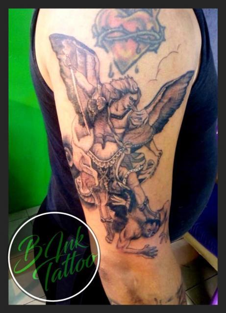 Ángel  tatuaje realizado por B-Ink Tattoo