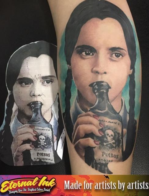 merlina tatuaje realizado por Chui Vm