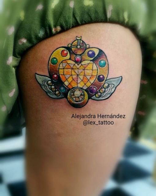 Sailor moon tatuaje realizado por Alejandra Hernández