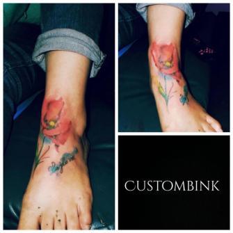 Flor acuarela tatuaje realizado por B-Ink Tattoo