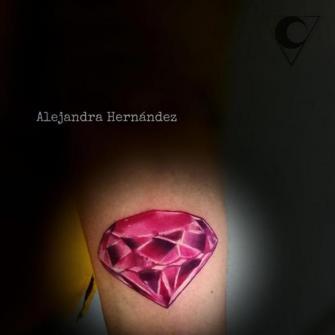 Diamante tatuaje realizado por Alejandra Hernández