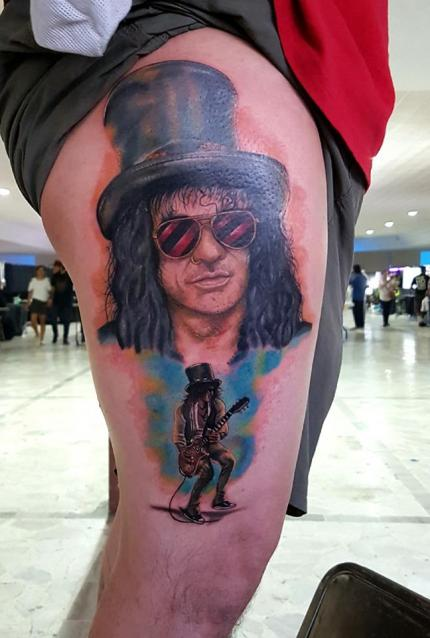 slash november rain  tatuaje realizado por The inkperfect tattoo shop