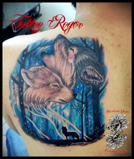 pareja de lobos tatuaje realizado por Roberto Girón