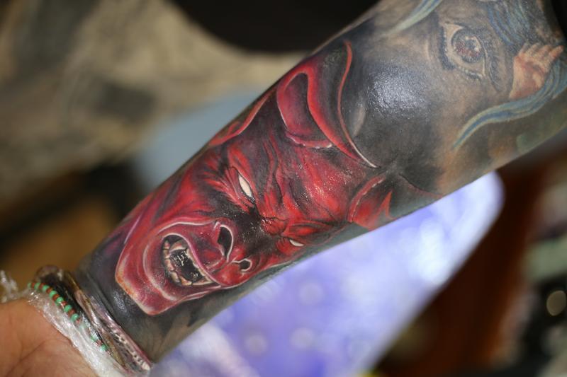 DIABLO ROJO tatuaje realizado por Old Gangsters Tattoo Shop