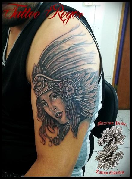 India azteca  tatuaje realizado por Roberto Girón