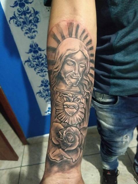religioso tatuaje realizado por Rak Martinez