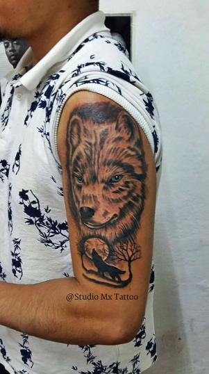 Lobo tatuaje realizado por Luis monroy