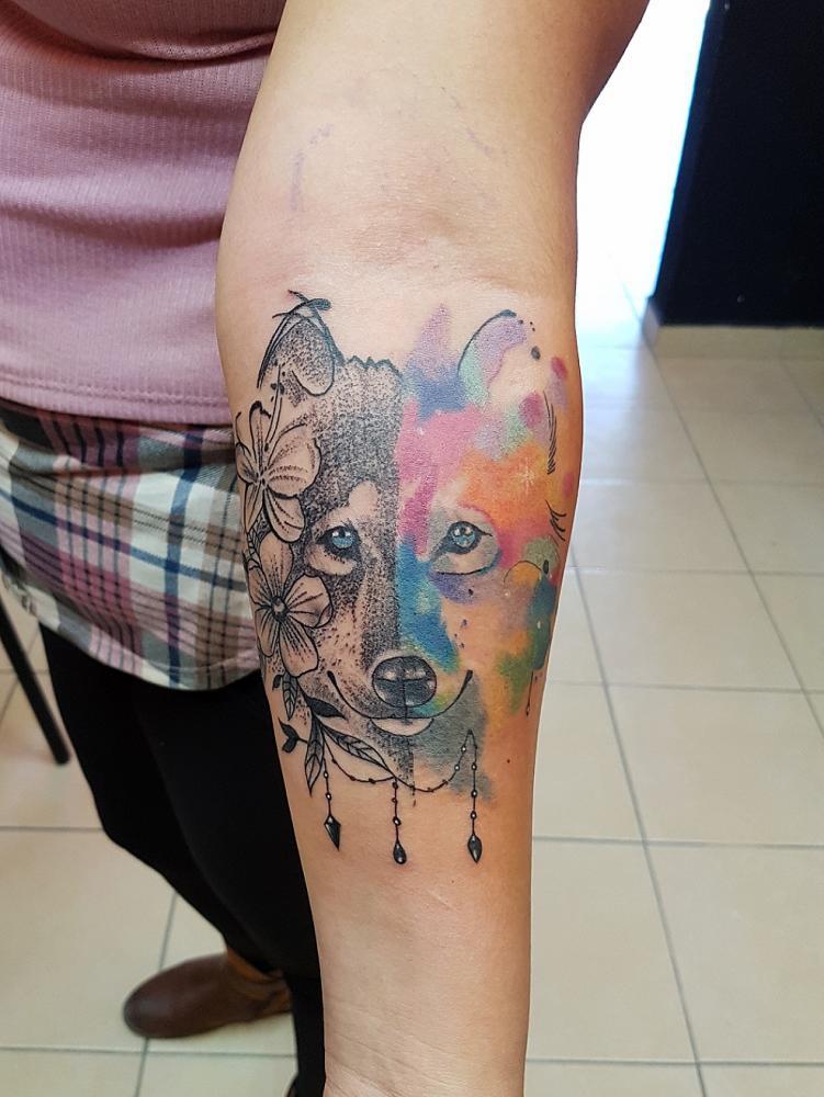 Lobo  tatuaje realizado por The inkperfect tattoo shop