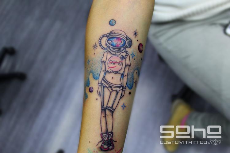 Astronauta ?????????  tatuaje realizado por SOHO CUSTOM TATTOO