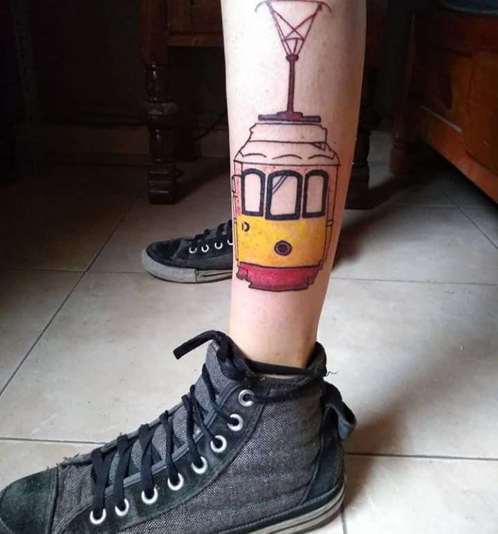 lisboa tatuaje realizado por Candy Rdz