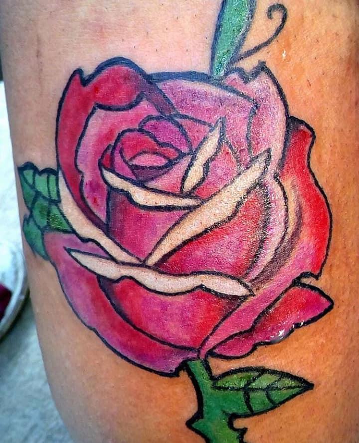 rosa tatuaje realizado por Candy Rdz