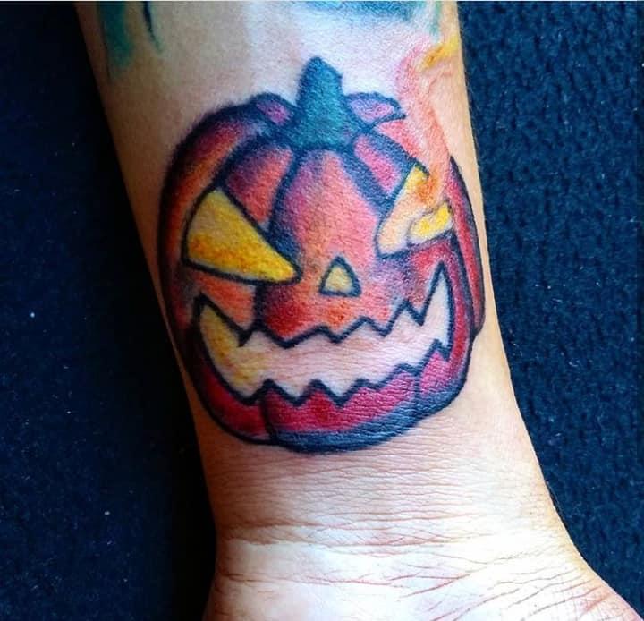 pumkin tatuaje realizado por Candy Rdz