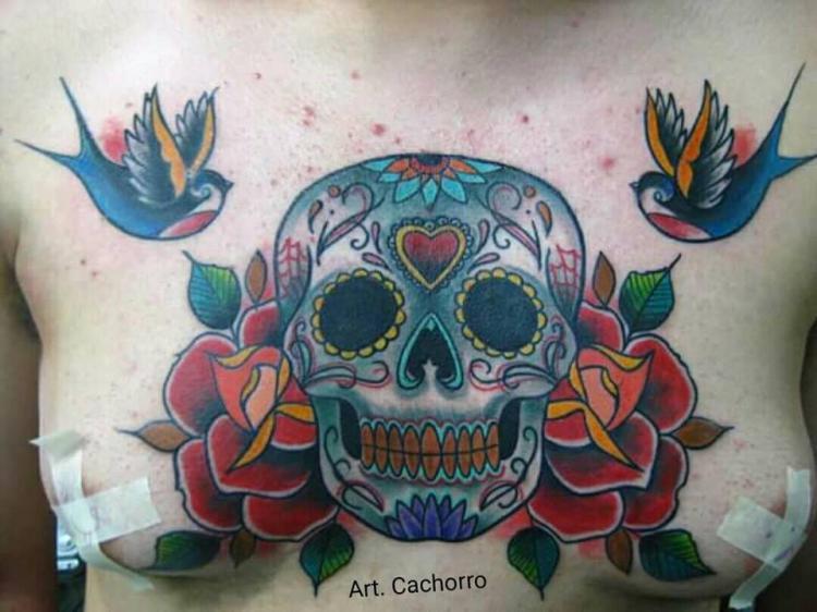 craneo tatuaje realizado por Victor Hugo Avalos / Cachorro