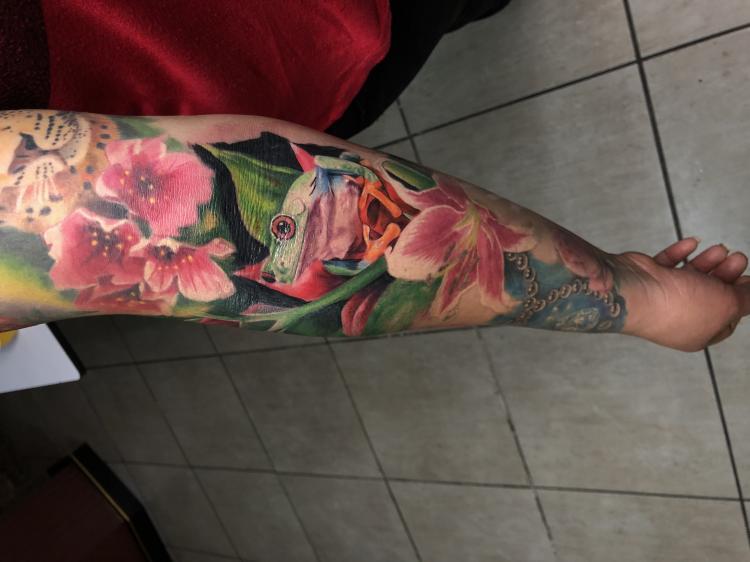 ???? rana  tatuaje realizado por Izrael VG