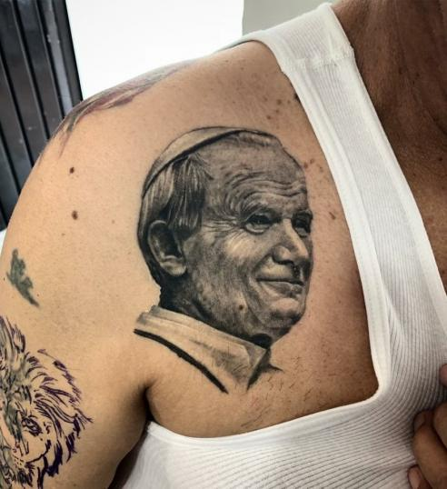Tatuaje en clavicula !!!! tatuaje realizado por Ali Tattoo
