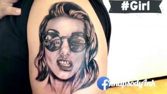 Girl tatuaje realizado por RhapsodyInk