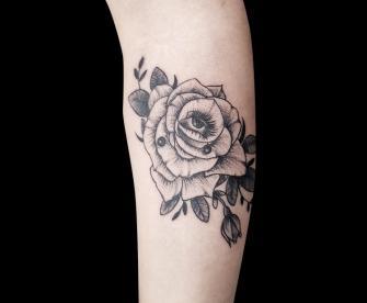 Man Ray tatuaje realizado por Mario TORRES