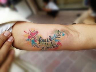 Familia  tatuaje realizado por Juliio Tatuajes