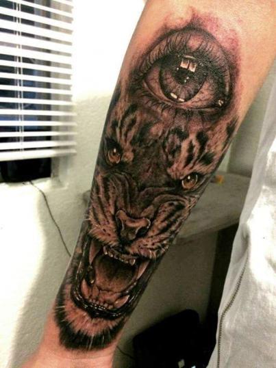 Tigre y ojo tatuaje realizado por Maneki Neko Tattoo MX
