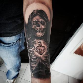 5 tatuaje realizado por Xhander Macuare