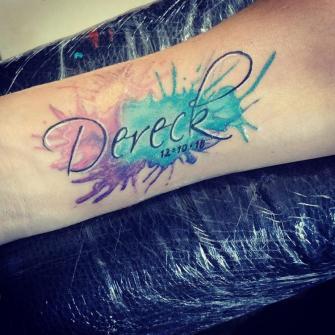 Dereck tatuaje realizado por Omar Mendoza