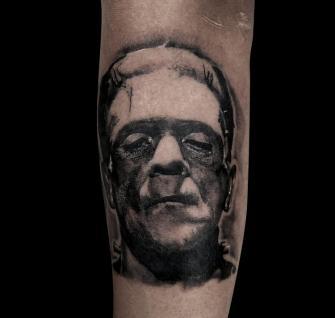 Monstruo de Frankenstein tatuaje realizado por Mario TORRES
