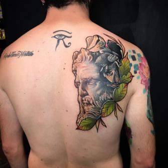 Neptuno art fusión  tatuaje realizado por Dani Latymor