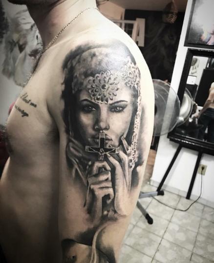 Tatuaje en brazo !!!! tatuaje realizado por Ali Tattoo