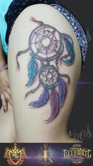 Atrapa sueños tatuaje realizado por El CHAN Tattoos