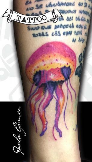 Medusa tatuaje realizado por Paola Gómez