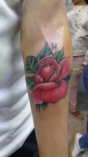 Rosa tatto  tatuaje realizado por Jocker Ink Tattoo