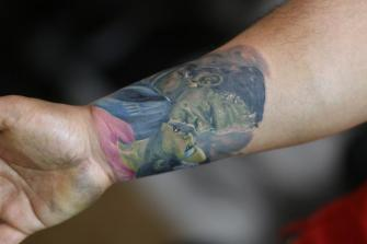 Frankeinstein tatuaje realizado por Old Gangsters Tattoo Shop