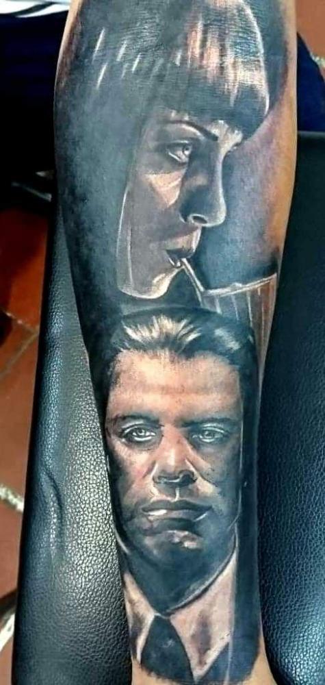 Pulp Fiction  tatuaje realizado por Paulino Vergara (Mono)