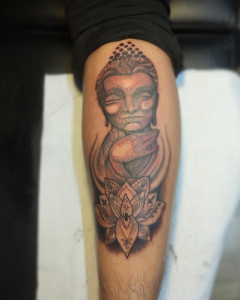 Buda tatuaje realizado por Xacur Tattooist