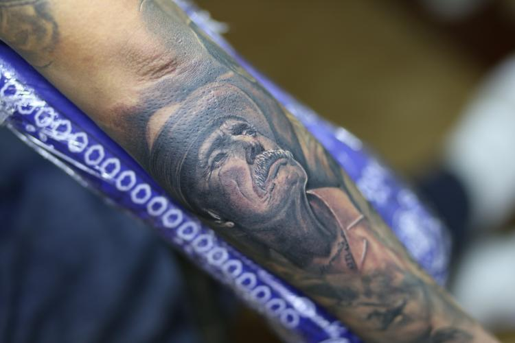 RETRATO CHUCO  tatuaje realizado por Old Gangsters Tattoo Shop
