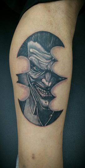 joker tatuaje realizado por Rene pacheco