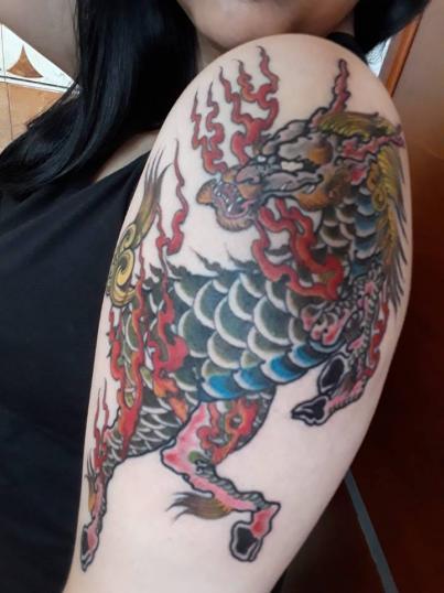 kirin tatuaje realizado por Garo Lozada