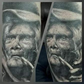 Sombras  tatuaje realizado por Paulino Vergara (Mono)