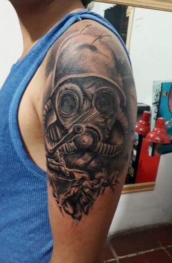 Soldado  tatuaje realizado por Alejandro Hernández (Piolink)