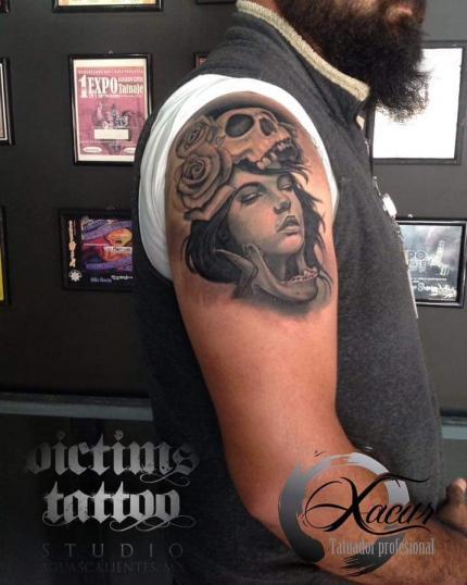 Realismo  tatuaje realizado por Xacur Tattooist