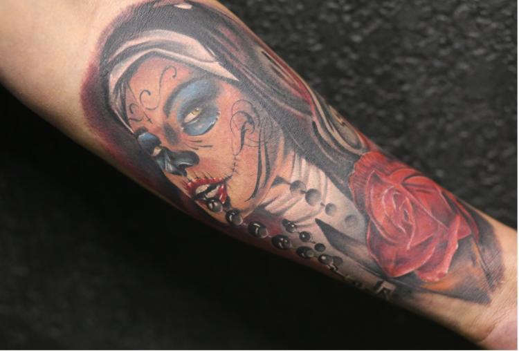 CATRINA tatuaje realizado por Old Gangsters Tattoo Shop