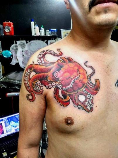 pulpo tatuaje realizado por Garo Lozada