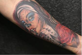 CATRINA tatuaje realizado por Old Gangsters Tattoo Shop