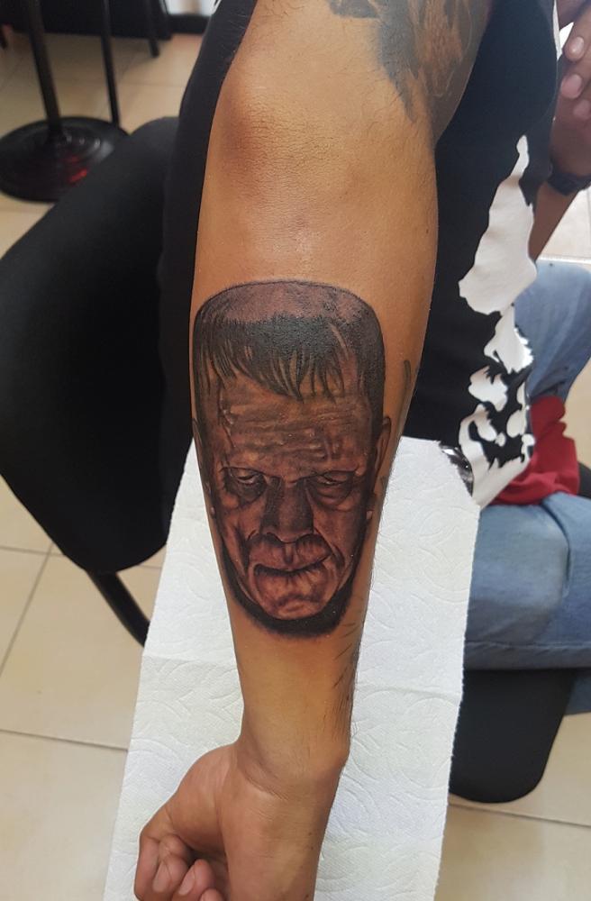 Frankestein tatuaje realizado por The inkperfect tattoo shop